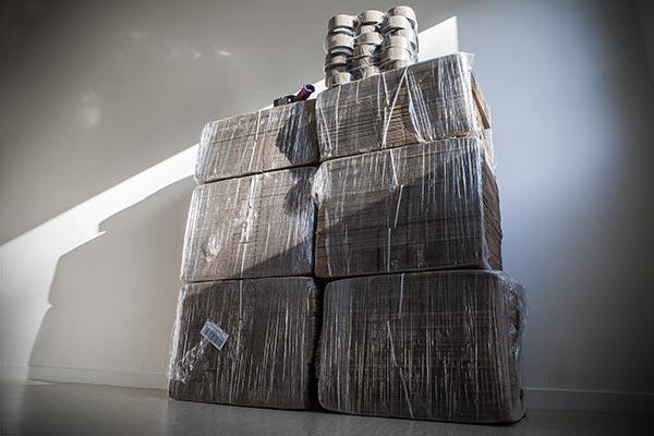 Carton - boite américaine - rouleaux de scotch tesa - raja